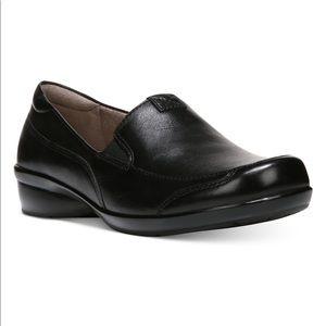 Naturalizer Channing Slip-On Loafer, Black size 7W